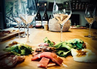 suivez un atelier dégustation de vin avec le vigneron